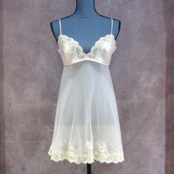 Victoria's Secret Other - NEW Victoria's Secret Ivory Lace Trim Chemise Sz M